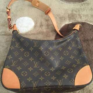 (Mark Down) Authentic LV Boulonge 30