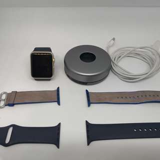 iwatch gen 1 with 3 straps and portable charger