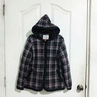 Semi thick checkered jacket with hood
