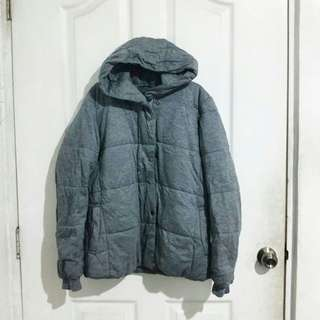Thick gray bubble jacket
