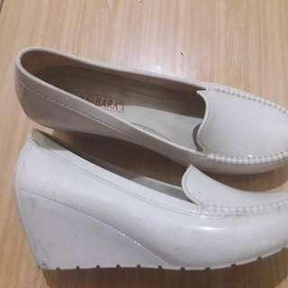 Sepatu Wedges Merek Bara2 Uk 39.