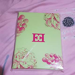 Escada Notebook