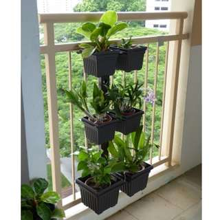 Railing Verti-Rack for square flower pots - Layout A Dark Brown