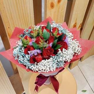 12 stalk roses bouquet