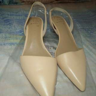 Banana Republic Heels Size 7.5