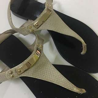 💯 Authentic Charles & Keith Sandals
