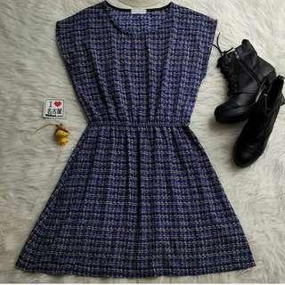 Dress motif biru