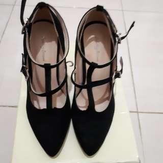 Women Preloved Black Heel Shoes