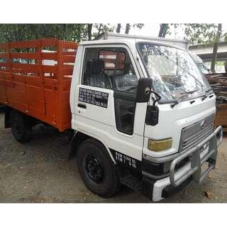 Lori sewa bulanan -  Daihatsu V 58