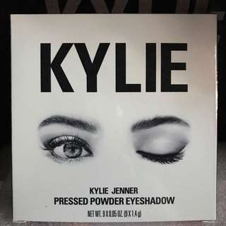 The Burgundy Palette by Kylie Cosmetics + box & card for free!