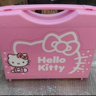 Hello kitty playing tiles / mahjung / mahjong
