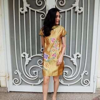 Gold Qibao Shanghai Dress (Cheongsam)