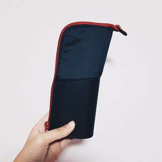kokuyo neo critz pencil case - black/red