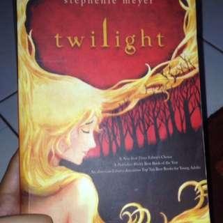 Novel twilight ; great expectation ; clockwork