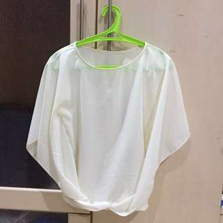 All Size White Top (Fit to M)