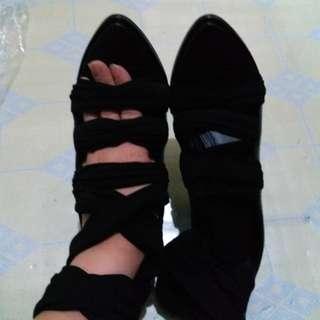 全新Givenchy真皮高跟鞋37碼