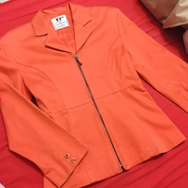 亮橘色鴿子牌西裝外套