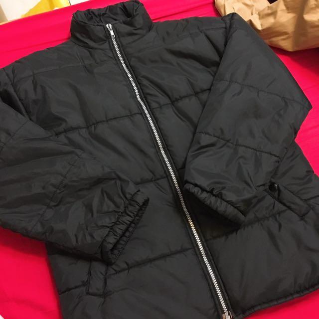 黑色冬季鋪棉厚外套
