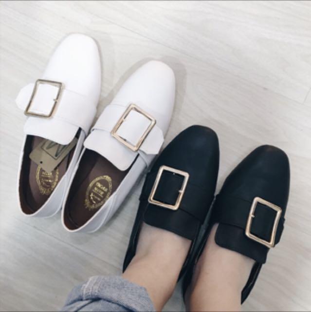 金屬釦環兩穿平底樂福鞋