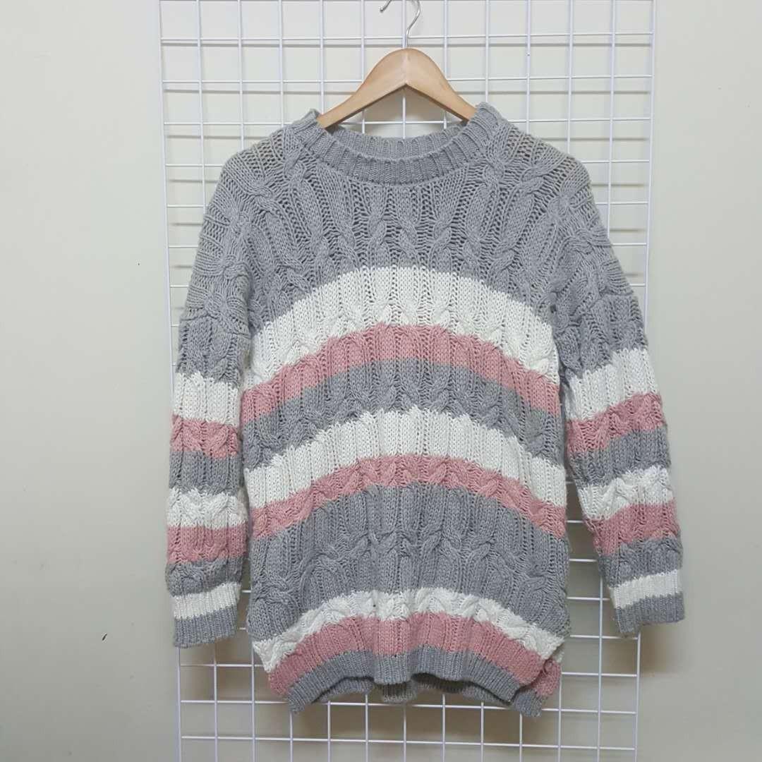 粉紅橫條毛衣