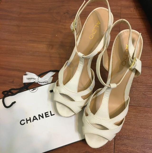 降售 ALDO 超穩白色涼鞋 39