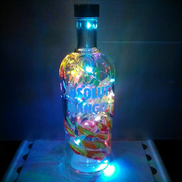 Absolut Mango, with 40 Multicolored Changing LEDs (1l, new)