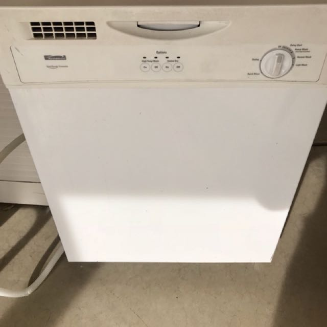 Almost new Energy efficient dishwasher