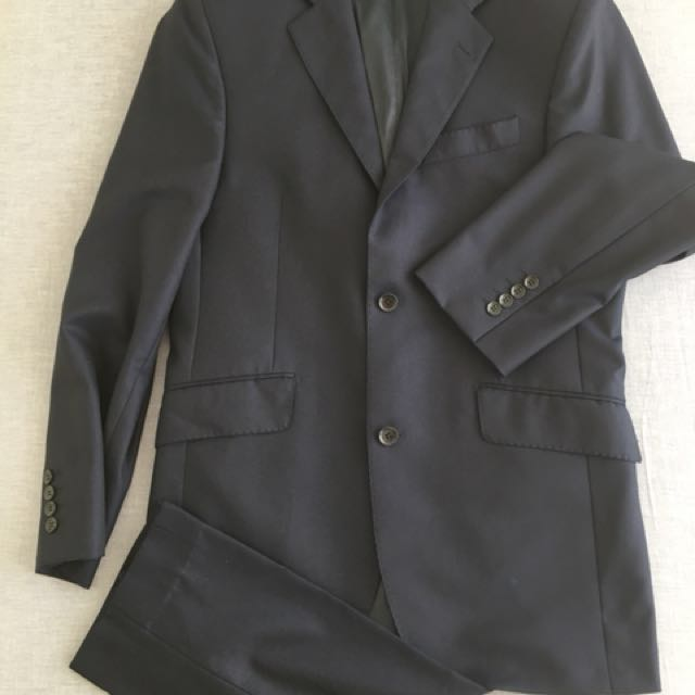 Austin Reed Men S Suit Reduced Price Men S Fashion Clothes On Carousell