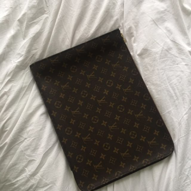 AUTHENTIC LV LAPTOP CASE