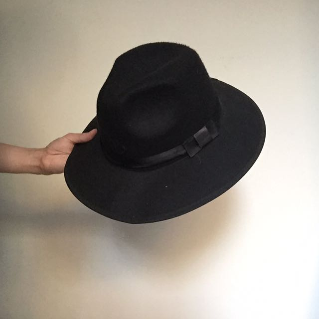 Black fedora hat with a bow