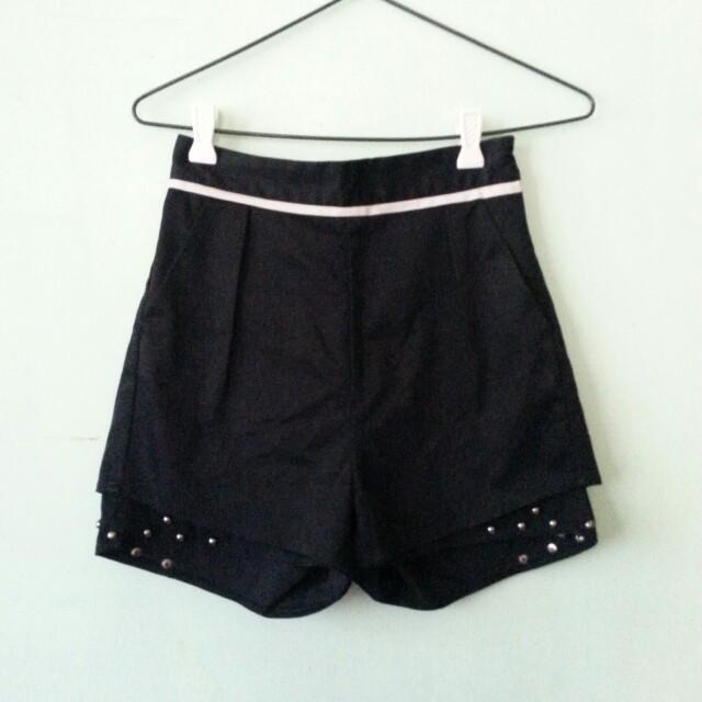 Black Highwaisted Stud Shorts