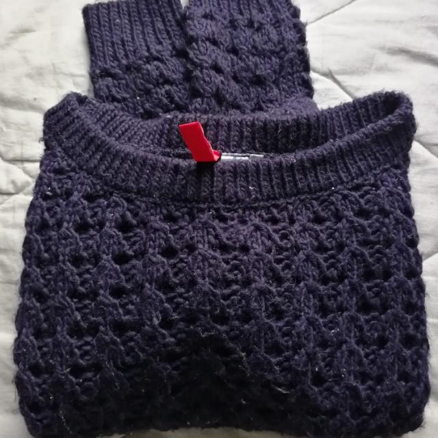 Blue crop knit sweater