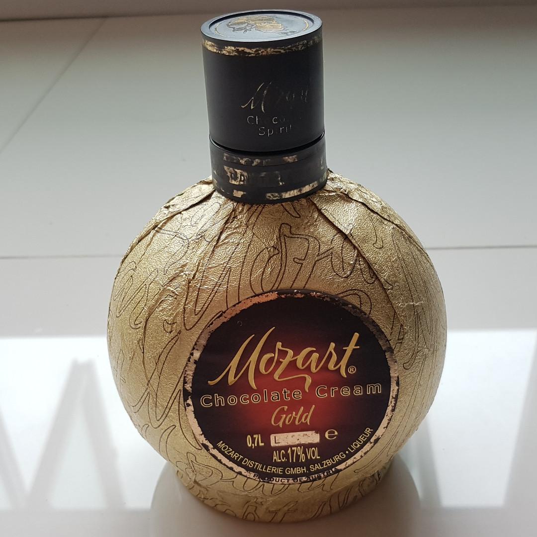 BN Austrian Mozart Gold Chocolate Cream Liqueur 700ml