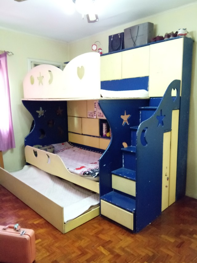Bunk bed with cabinet and drawers