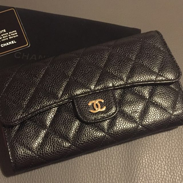 22f2acecc716 Chanel Classic Trifold Flap Wallet Caviar (Gold Hardware), Luxury, Bags &  Wallets on Carousell