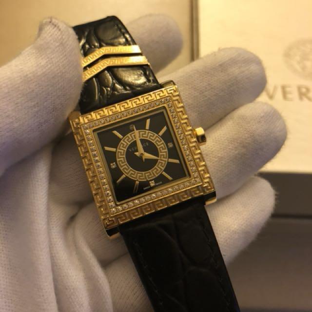 Classic Versace Medusa DV25 watch