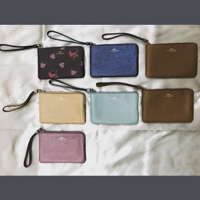 新年到🧣Coach 手拿包。零錢包(保證正品) 買2個只要2000元!送禮自用兩相宜!