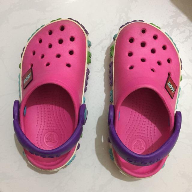 1b25c2d6ce68be crocs lego pink size 8-9