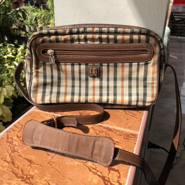 Daks sling bag