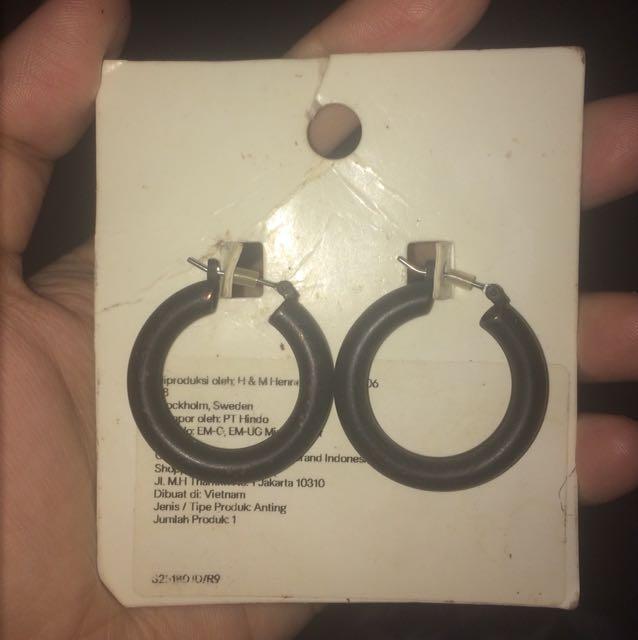 Ear ring H&M