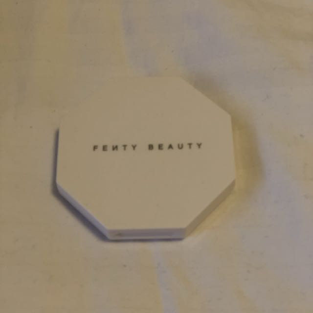 Fenty highlighter by Rihanna