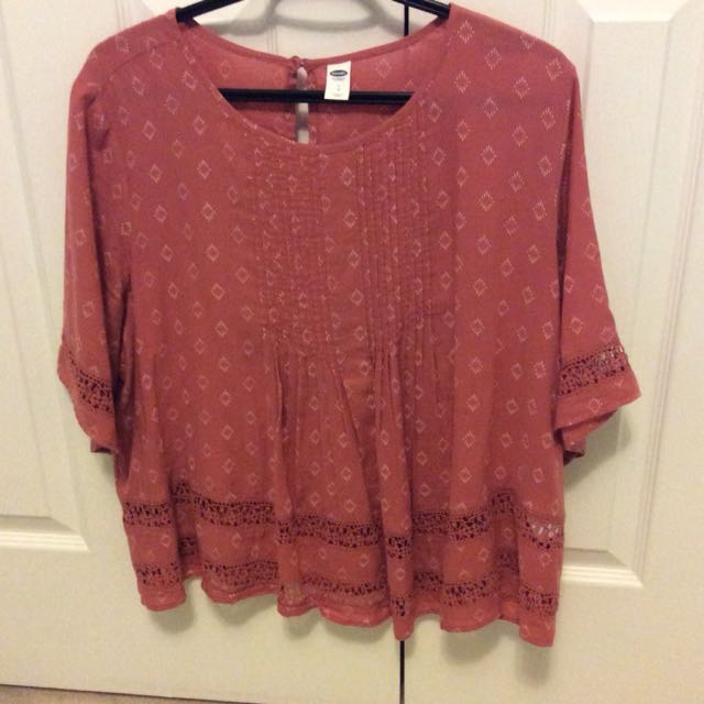 Flowy top with designs