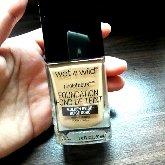 FOUNDATION WET N WILD shade Golden Beige
