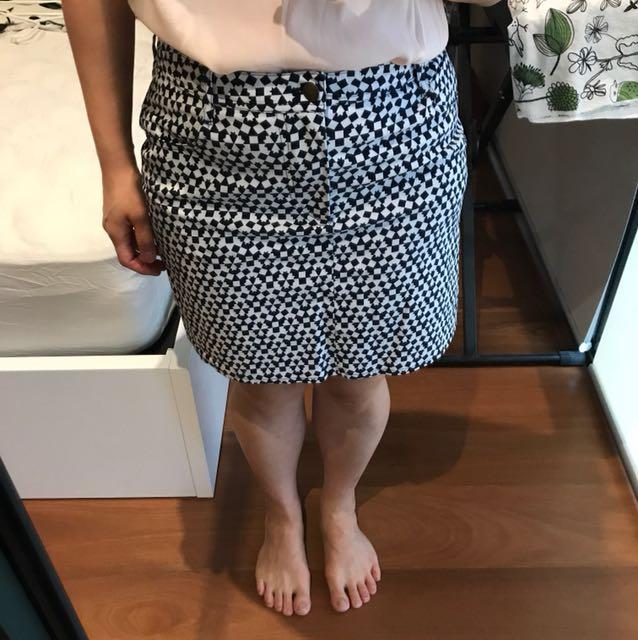 Gorman size 12 skirt