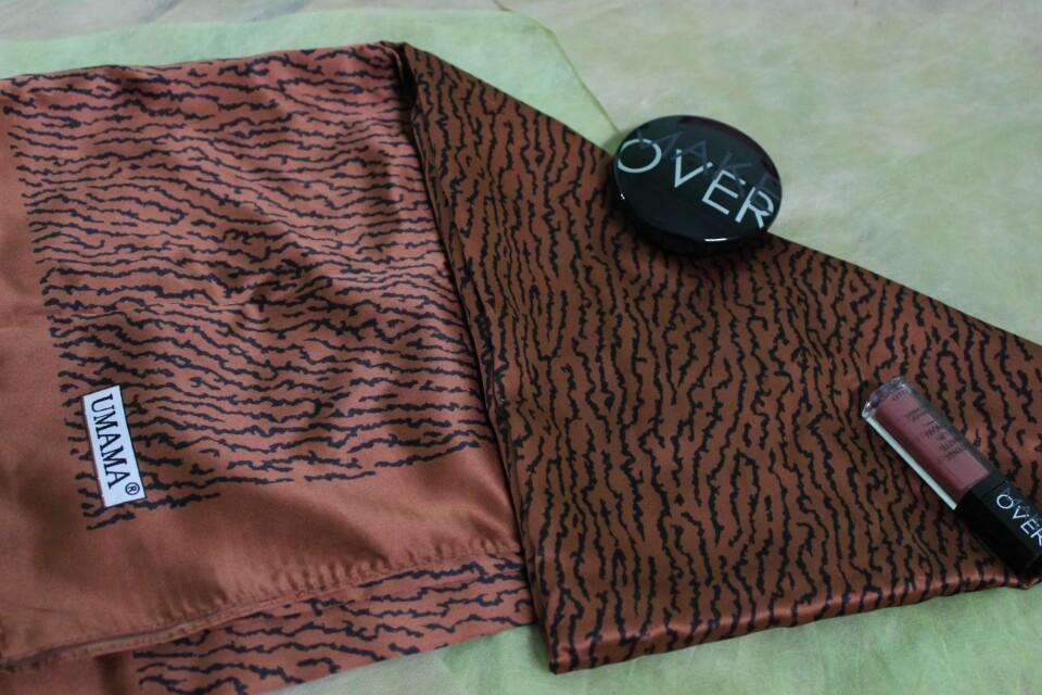 Hijab motif segi 4