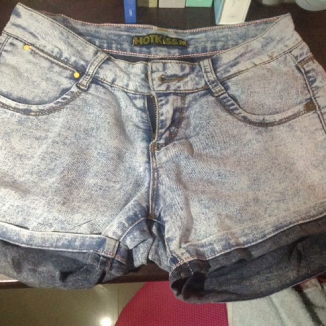 hot kiss shorts