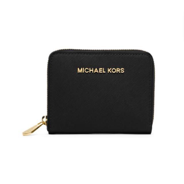 372aff2daf5b4a Instocks] - Michael Kors Jet Set Travel Short Zip Around Wallet ...