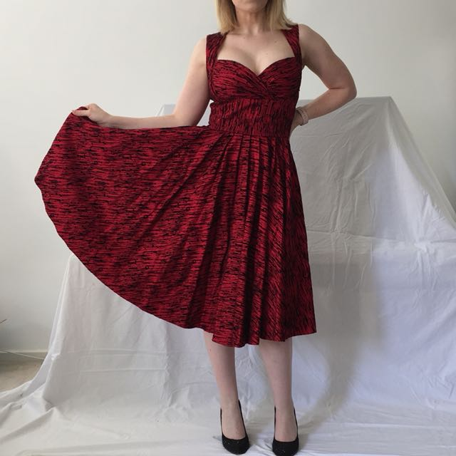 Laura Byrnes Red Hollywood Vintage Style 60s 50s Dress