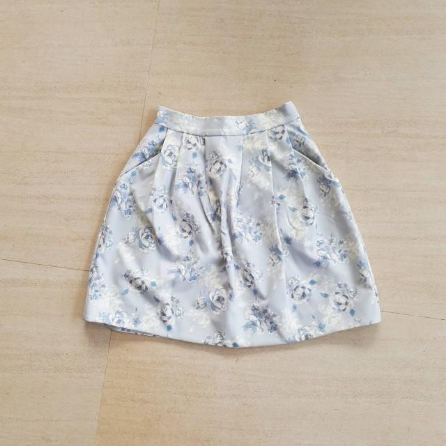 Light Blue Floral Skirt pocketed