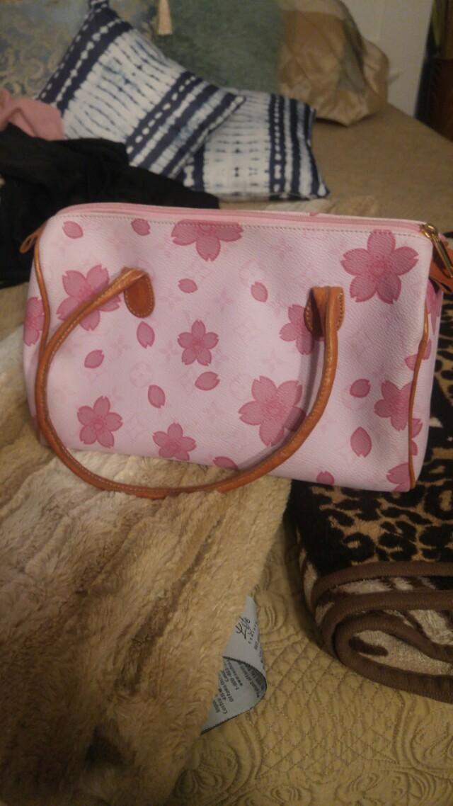 Louis Vuitton Bag (Not Authentic)